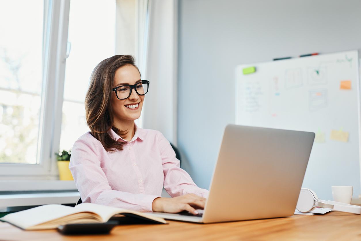 online-teacher-certification_studying